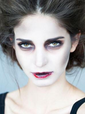 макияж вампирши: губы