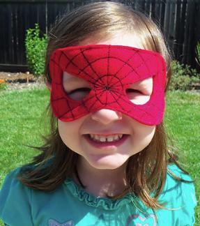 Маска из фетра на резинке для костюма Человека-паука