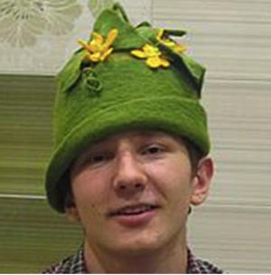 фетровая шапочка огурца