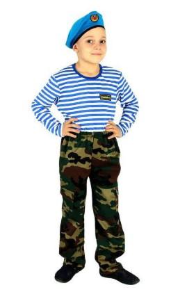Костюм десантника со штанами, тельняшкой и беретом на мальчике