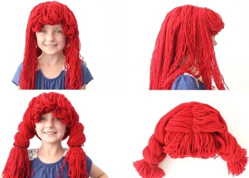девочка в красном парике и парик отдельно