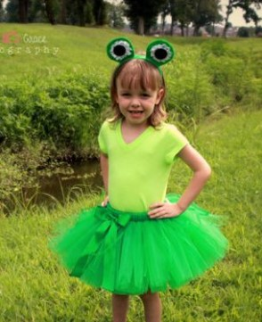 Костюм лягушки для девочки на фотосессию на природе