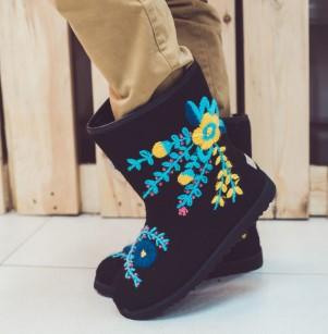 Обувь с вышивкой