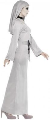 монахиня в белом в полный рост