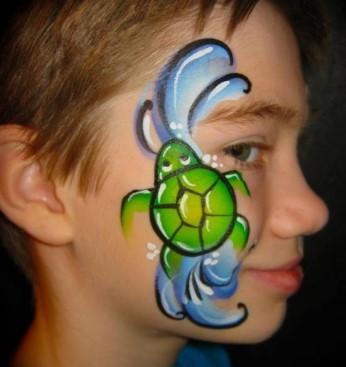 Рисунок черепахи на лице