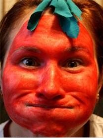 Лицо в красной краске