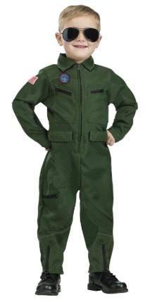 Зеленый комбинезон танкиста с темными очками на мальчике