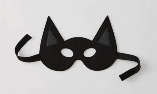 маска летучей мыши на ленте