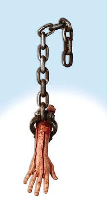 Фото Окровавленная рука в кандалах