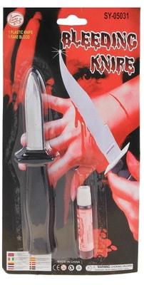 Фото Кровь и нож со скрывающимся лезвием