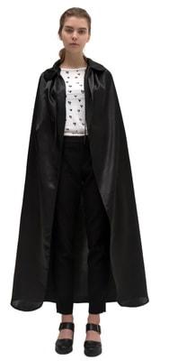Фото Черный атласный плащ с воротником
