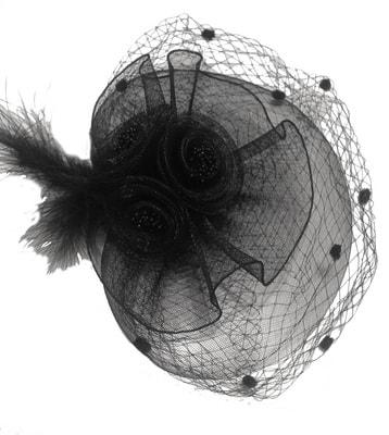 Фото Украшение на голову с вуалью