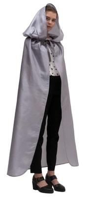 Фото Серебряный атласный плащ с капюшоном