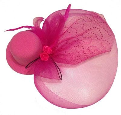 Фото Розовая мини-шляпка с вуалью