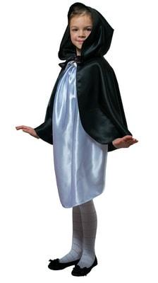 Фото Плащ черный короткий с капюшоном детский