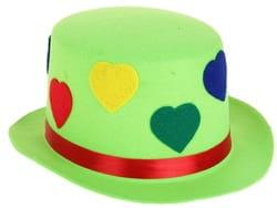 Фото Шляпа зеленая с сердечками