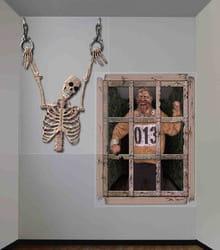 Фото Настенная декорация Клетка с зомби