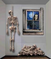 Фото Декорация Окно дома с привидениями