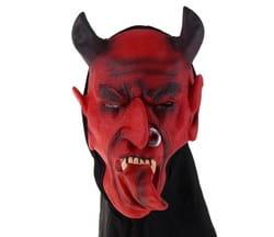 Фото Маска Дьявол с серьгой в носу